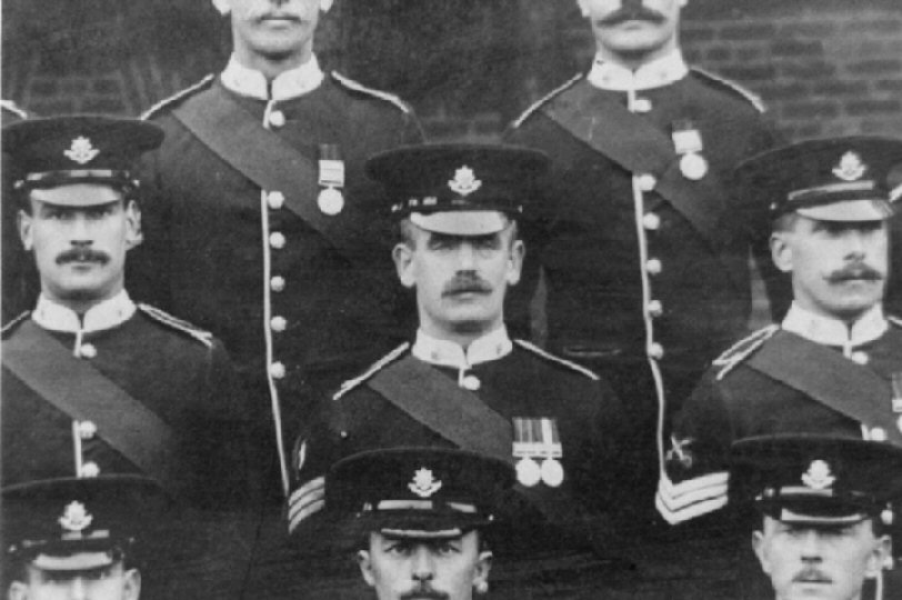 Worcester Regt. 1908 Photo of Sgt. Borden and Colleagues