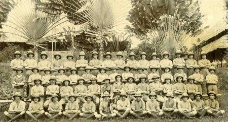 4 KSLI in Singapore, 1915.