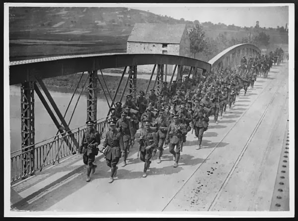 Soldiers crossing the Marne